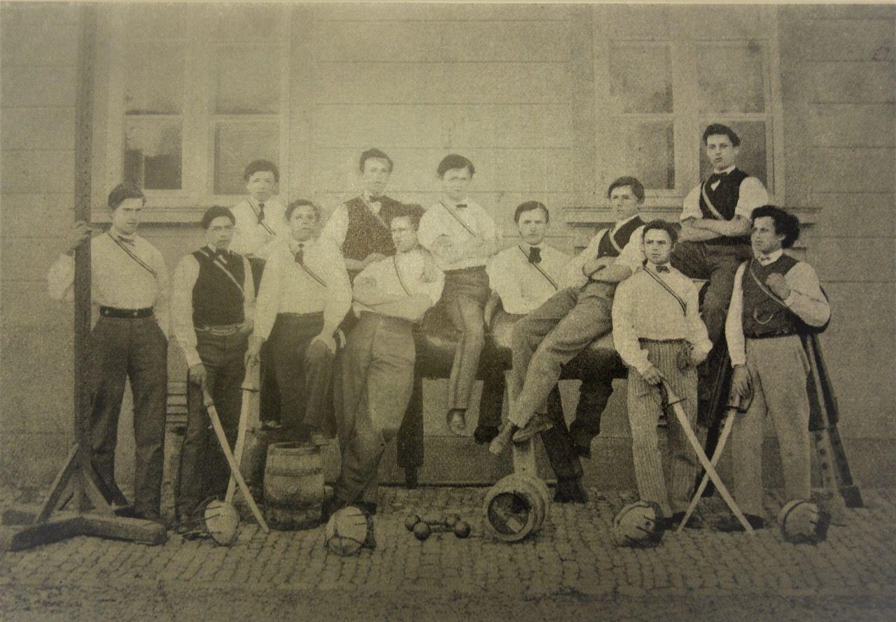 Aktivitas im Jahr 1871